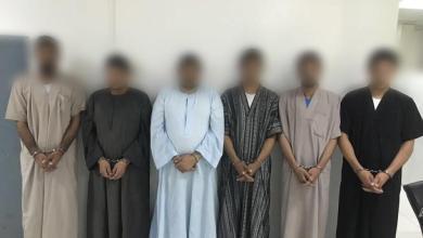 Photo of شرطة الرياض تطيح بـ6 مقيمين سرقوا 48 مستودعا