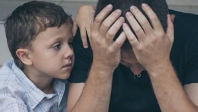 Photo of إصابة الأب بالاكتئاب تزيد من خطر إصابة أبنائه المراهقين بالاكتئاب أيضاً