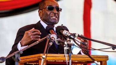 Photo of موغابي يتحدى إقالته ويتمسك بالسلطة