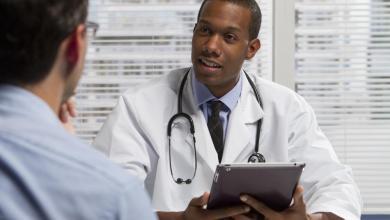 Photo of لماذا يكتب الأطباء وصفاتهم بطريقة غير مفهومة ؟