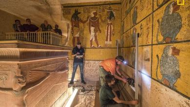 Photo of فجوة غامضة بعمق 15 متراً خلف جدار مقبرة توت عنخ آمون