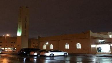 Photo of أمطار الرياض تقدم صلاة العشاء (فيديو)