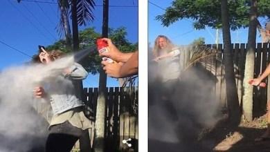 Photo of بالفيديو: شاهد الحيل التي اتبعها هذا الشاب لمنع صديقه من التدخين