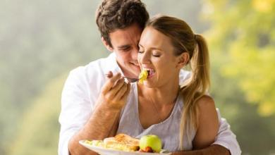 Photo of تجنب هذه الاطعمة قبل ممارسة العلاقة الزوجية