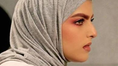 Photo of سارة الودعاني تهاجم فتاة في الطائرة خوفا على زوجها و تصفها بالحجية