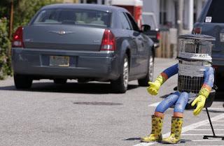 "Photo of ""Hitchbot"" الروبوت الذي ""وثق"" في البشر و كانت نهايته مأساوية !"