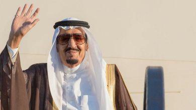 Photo of خادم الحرمين الشريفين يغادر المدينة المنورة متوجهاً إلى الرياض