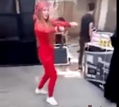 Photo of شاهد مصرية ترقص بالسنجة في حفل زفاف شعبي