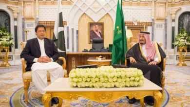 Photo of خادم الحرمين يبحث مستجدات الأحداث مع رئيس وزراء باكستان