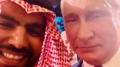 Photo of وزير الثقافة ينشر سيلفي يجمعه بالرئيس الروسي فلاديمير بوتين