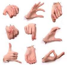 Photo of عشر تصرفات عفوية يجب ان تتجنبها في لغة الجسد