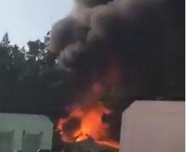 Photo of فيديو.. لحظة اشتعال النيران في مدرسة بالرياض وردة فعل غريبة من الطلاب