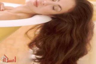 Photo of خمس وصفات طبيعية لتنعيم الشعر وتطويله وإزالة قشرته