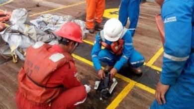 Photo of العثور على مسجل صوت قمرة قيادة الطائرة الإندونيسية المنكوبة