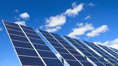 """Photo of """"أبوظبي للتنمية"""" يمول 70 مشروعاً للطاقة المتجددة بـ 4.4 مليارات درهم"""