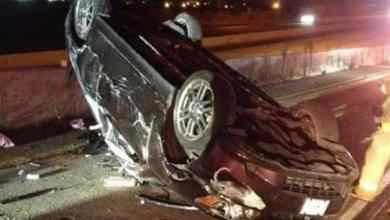 Photo of انقلاب سيارة تقودها فتاة عمرها 15 عاماً بالباحة يؤدي لإصابتها وصديقتها