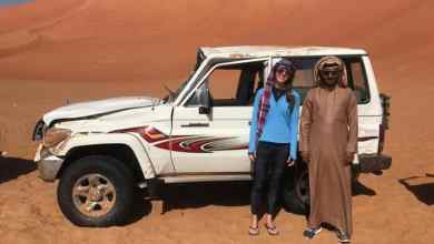 Photo of بالصور: مواطن ينقذ فتاة أمريكية انقلبت سيارتها في صحراء الربع الخالي