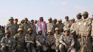 Photo of صور خالد بن سلمان على الخطوط الأمامية في الحد الجنوبي