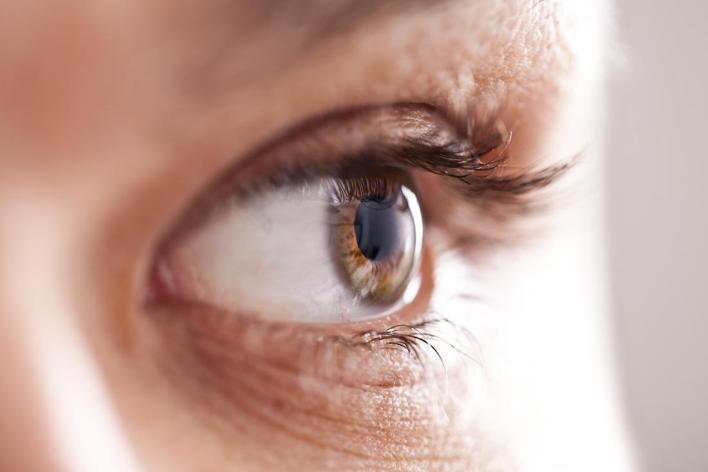 علاج انخفاض ضغط العين بالأعشاب