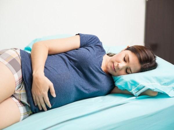 افضل نوم للحامل في الشهر الثالث