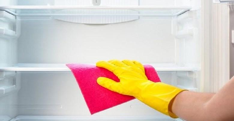 Photo of أسهل طريقة لتنظيف الثلاجة بشكل سريع