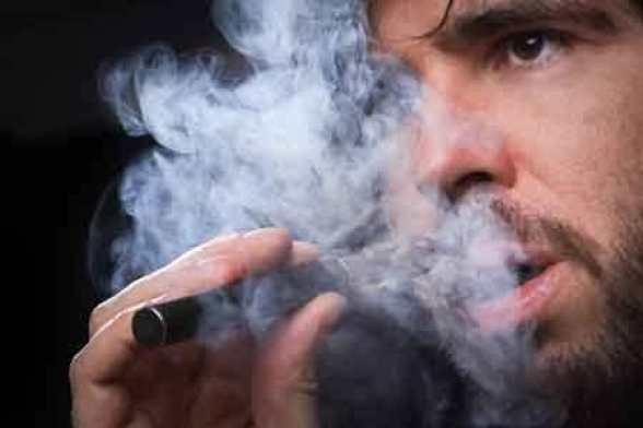 صورة السجائر الإلكترونية