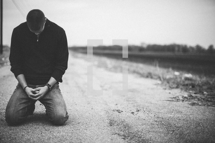 الحزن على الماضي يدل على خلل في عقيدة المؤمن بإيمانه وهو الإيمان بالقضاء والقدر