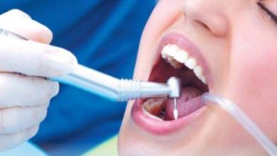 Photo of سيدة تذهب لعيادة أسنان وتتفاجأ بزرع الأضراس في معدتها بدلا من الفم !