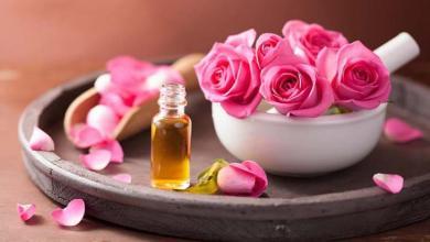 Photo of أفضل 10 فوائد لزيت الورد للوجه