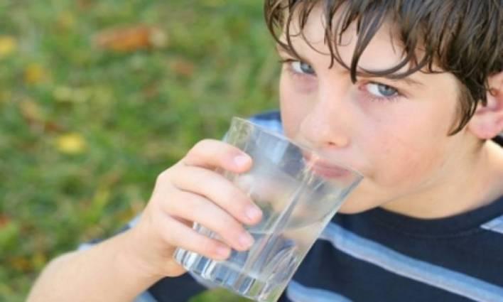 فوائد شرب الماء في الصباح