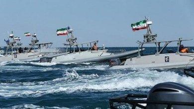 Photo of إيران تحتجز سفينة أثناء إبحارها في خليج عمان.. وتتكتم على جنسيتها