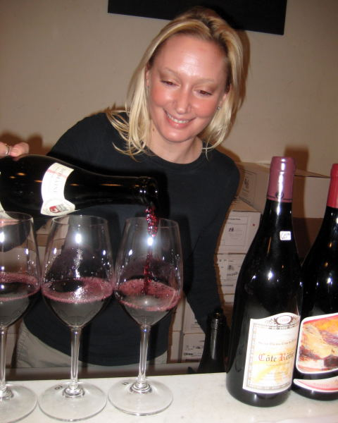 Rebecca Rapaszky pouring Rhones at Vin Vino Wine