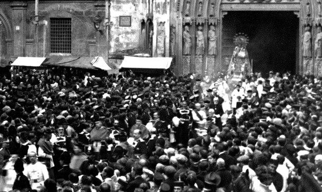 Procesion-de-la-Virgen-1920