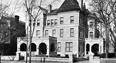 Picture of the first Ronald McDonald House located in Philadelphia