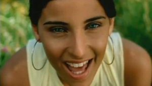 nelly-furtado-i-m-like-a-bird