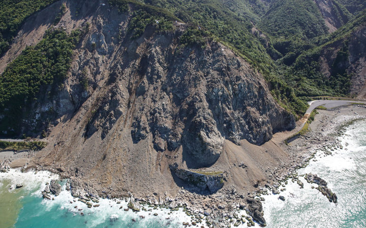 The scale of the Ohau Point slip near Kaikōura seen from the air.