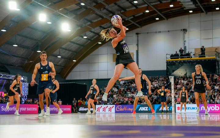 Silver Ferns Gina Crampton. Silver Ferns v NZ Mens, Final, Cadbury Netball Series, Fly Palmy Arena, Palmerston North, New Zealand, Saturday 24 October 2020.