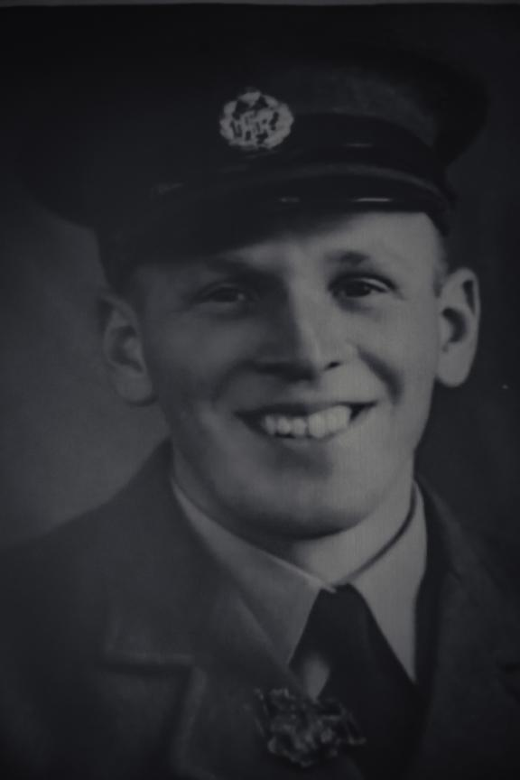 Ron Hermanns as a young airman in the New Zealand Territorial Air Force, 1937.