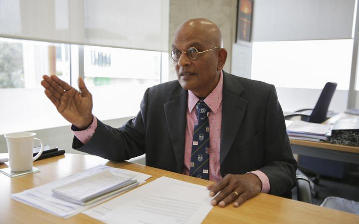 Kāpiti mayor K Gurunathan