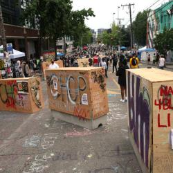 Seattle to end police-free protest zone after shootings