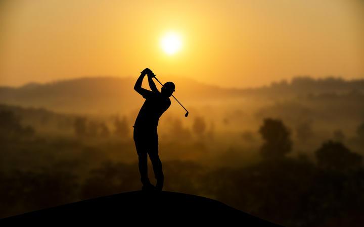 Golf player generic.