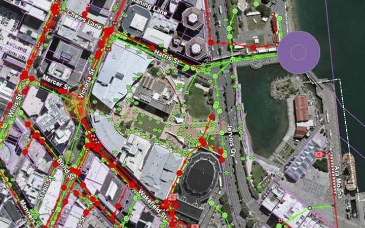 Orange circle indicate where the pipe has burst at the intersection of Victoria Street and Mercer Street and the purple dot indicates the identified point of discharge to the harbour.
