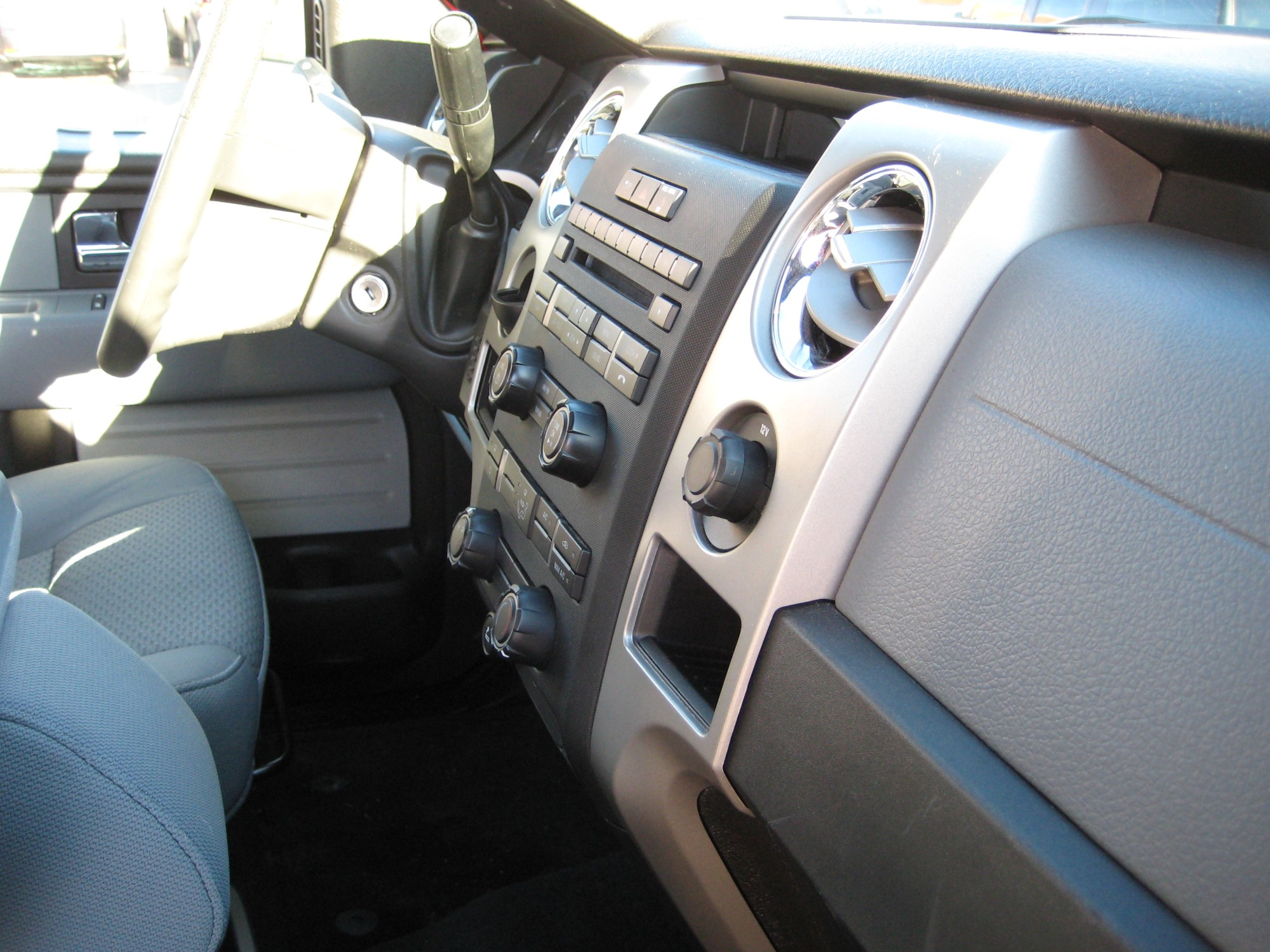 hight resolution of 2012 ford f 150 xlt dash view