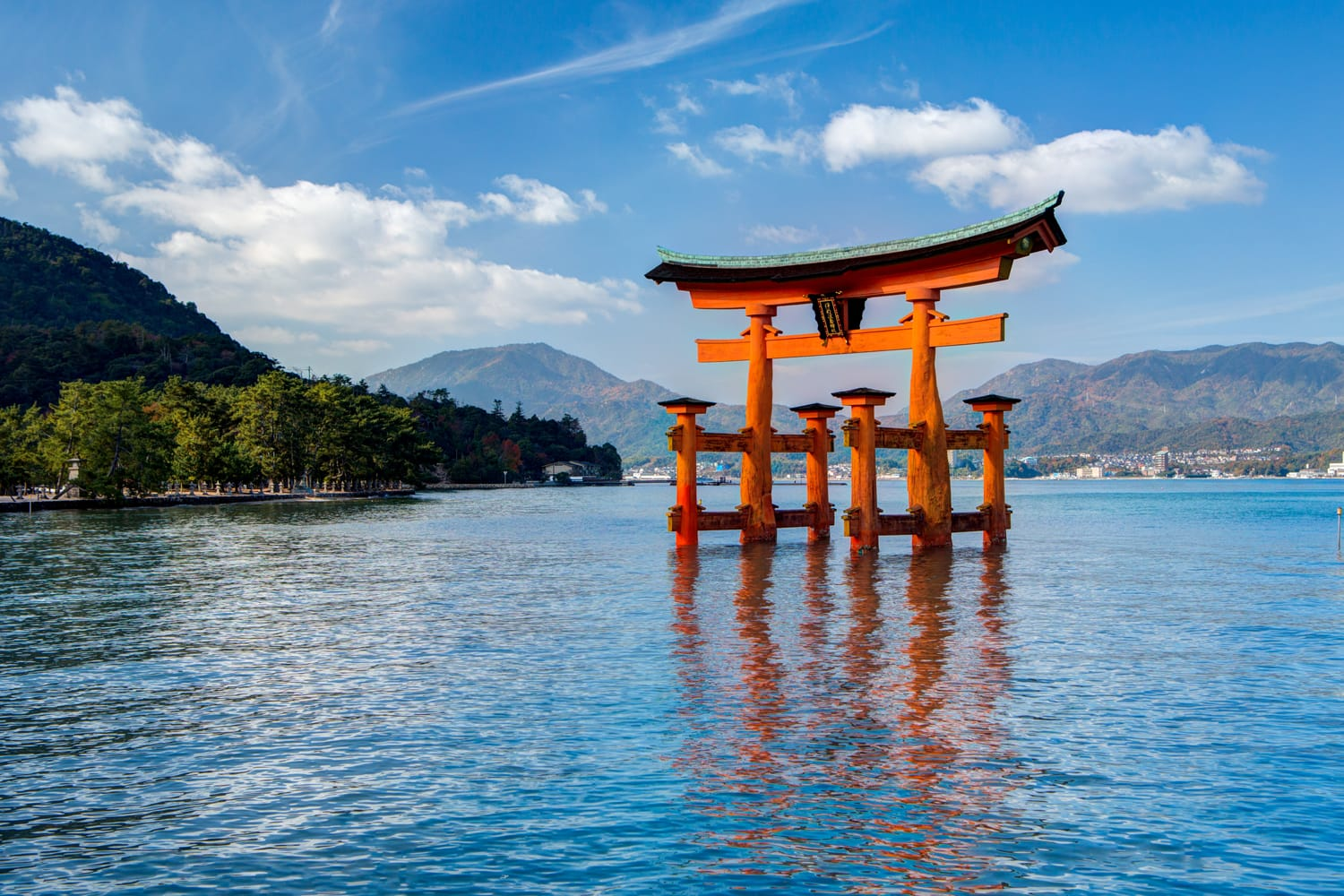 Itsukushima Shrine, floating Japanese Torii Gate