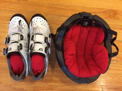 Stuffitts.in.shoes.helmet.WEB