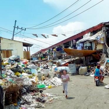 Filippine in moto, la baraccopoli Tondo di Manila