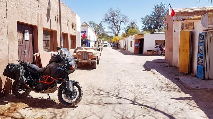 KTM 1190 Adventure in Cile, a San Pedro de Atacama