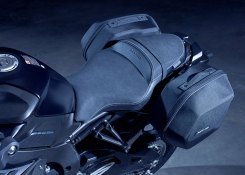 Yamaha MT-10 Tourer Edition, sella comfort e borse laterali