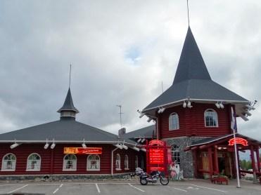 Capo Nord in moto, in Finlandia a Rovaniemi il Santa Claus Village