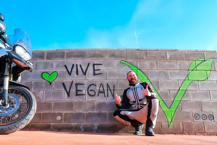 Spagna in moto, murales vegano a Valencia